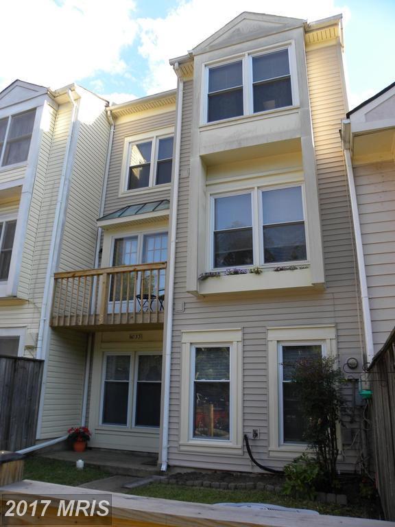 6033 Sunset Ridge Court, Centreville, VA 20121 (#FX9988607) :: Robyn Burdett Real Estate Group