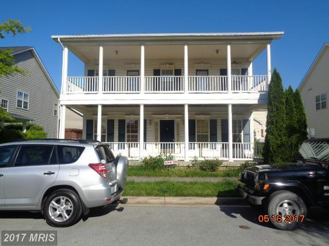 203 Bullskin Street, Charles Town, WV 25414 (#JF9949019) :: Pearson Smith Realty