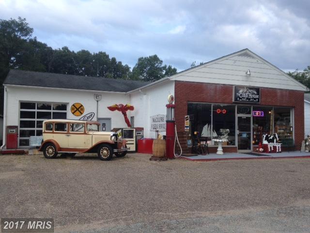 9254 Kings Highway NE, King George, VA 22485 (#KG10036652) :: Pearson Smith Realty