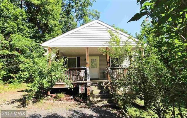 135 Ellis Drive, Louisa, VA 23093 (#LA10035065) :: Pearson Smith Realty