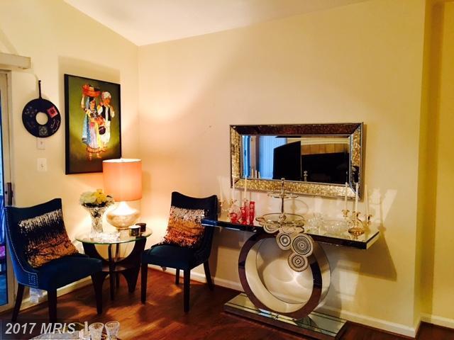 20322 Beechwood Terrace #301, Ashburn, VA 20147 (#LO10014363) :: LoCoMusings