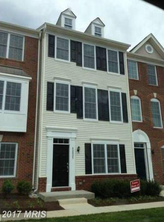 42825 Eggleston Terrace, Chantilly, VA 20152 (#LO10015030) :: Pearson Smith Realty