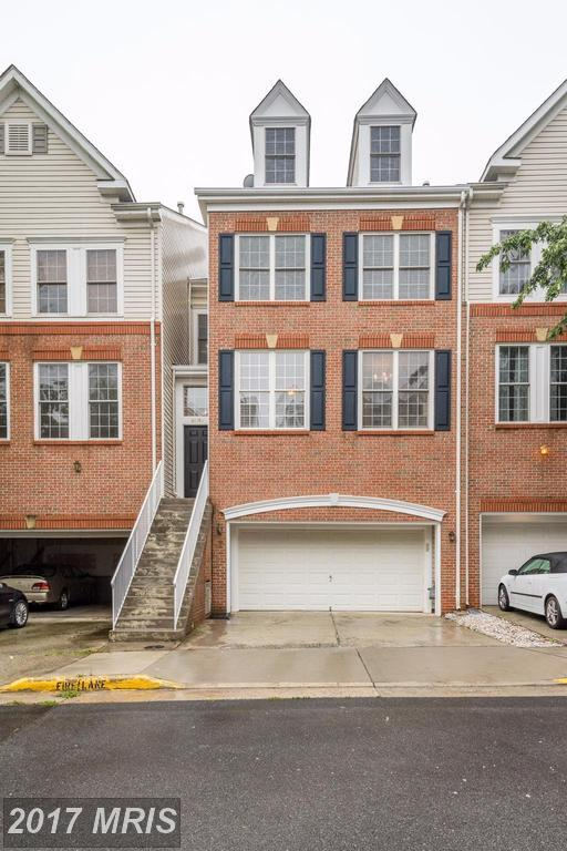 46189 Cecil Terrace, Sterling, VA 20165 (#LO10033526) :: The Greg Wells Team