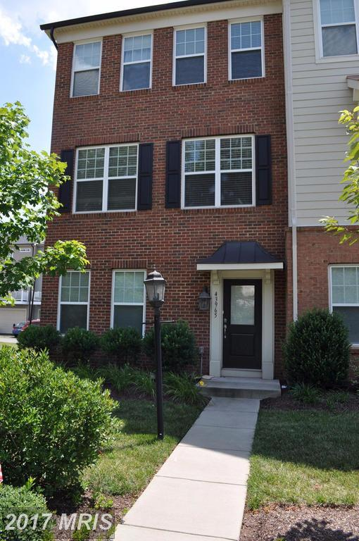 43965 Eastgate View Drive, Chantilly, VA 20152 (#LO10042103) :: Pearson Smith Realty