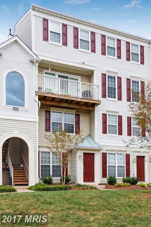 21893 Elkins Terrace #21893, Sterling, VA 20166 (#LO10077116) :: LoCoMusings