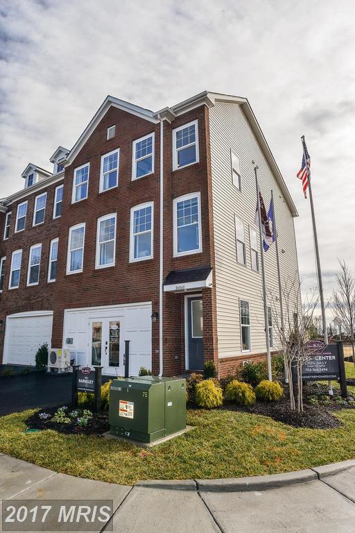42281 Lancaster Woods Square, Chantilly, VA 20152 (#LO10079304) :: Circadian Realty Group