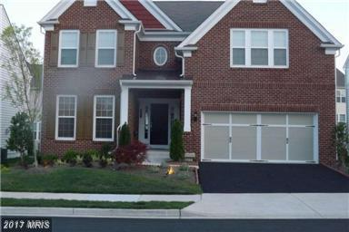 25530 Taylor Crescent Drive, Chantilly, VA 20152 (#LO10083978) :: The Vashist Group