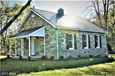 12813 Harpers Ferry Road, Purcellville, VA 20132 (#LO10092997) :: Pearson Smith Realty