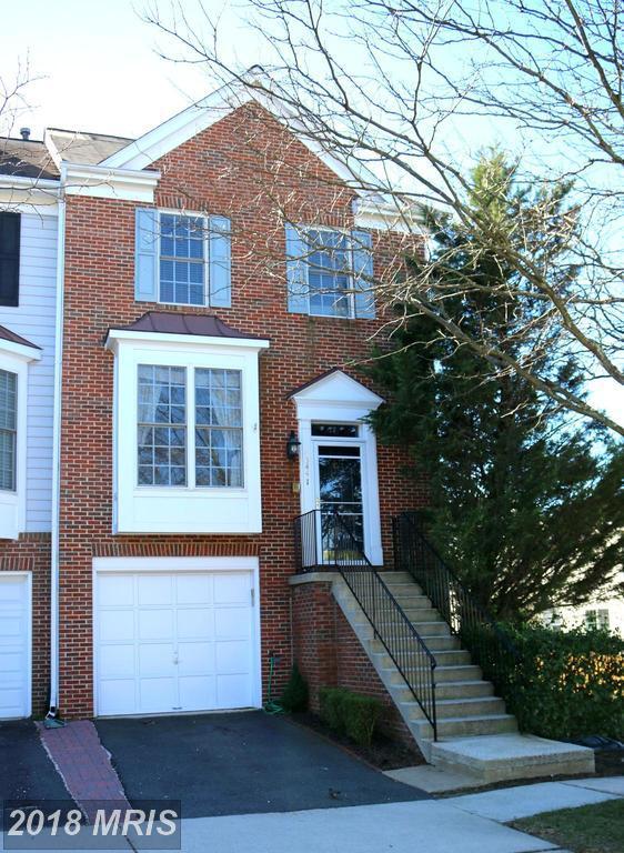 43441 Parish Street, Chantilly, VA 20152 (#LO10176217) :: Colgan Real Estate