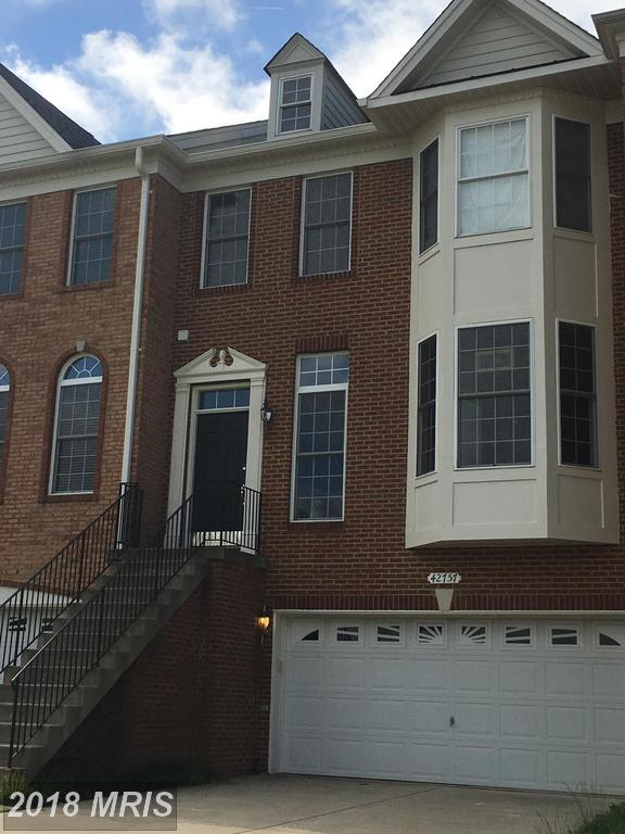 42757 Gelding Square, Chantilly, VA 20152 (#LO10269701) :: AJ Team Realty