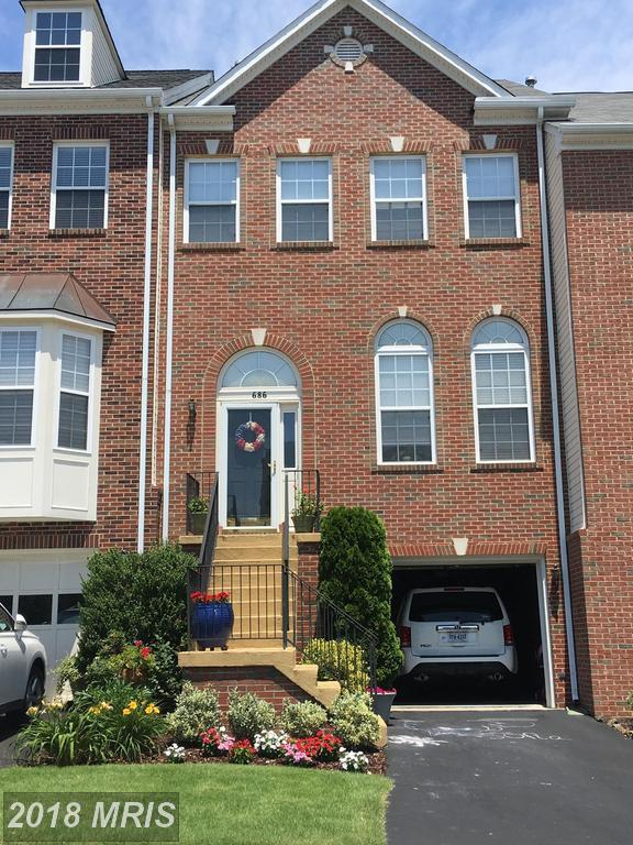 686 Mcleary Square SE, Leesburg, VA 20175 (#LO10305108) :: The Putnam Group
