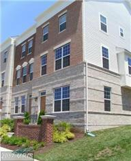 22680 Parkland Farms Terrace, Ashburn, VA 20148 (#LO9858869) :: LoCoMusings