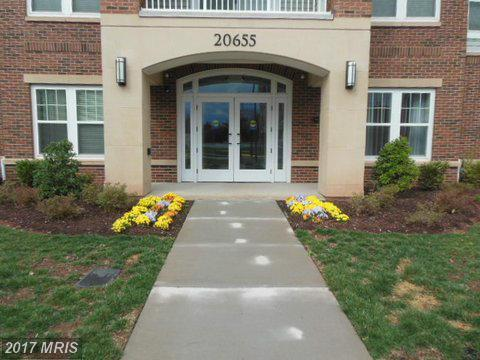 20655 Hope Spring Terrace #302, Ashburn, VA 20147 (#LO9875892) :: LoCoMusings