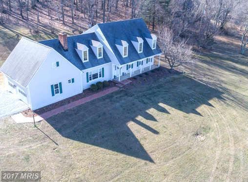 37587 Hughesville Road, Purcellville, VA 20132 (#LO9944813) :: LoCoMusings