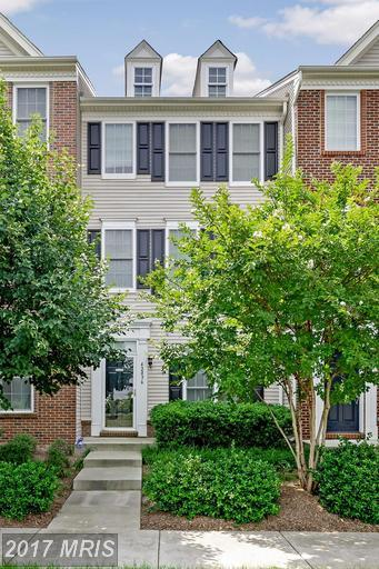 42896 Conrad Terrace, Chantilly, VA 20152 (#LO9985702) :: RE/MAX Cornerstone Realty
