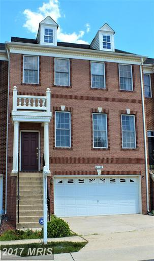 25198 Whippoorwill Terrace, Chantilly, VA 20152 (#LO9987044) :: RE/MAX Executives