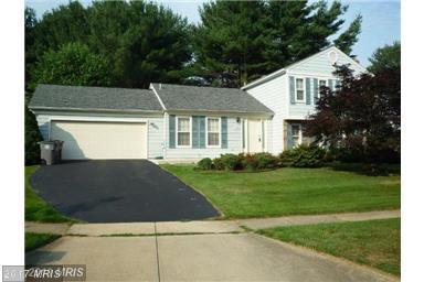 1425 Longhill Drive, Potomac, MD 20854 (#MC10052544) :: Pearson Smith Realty
