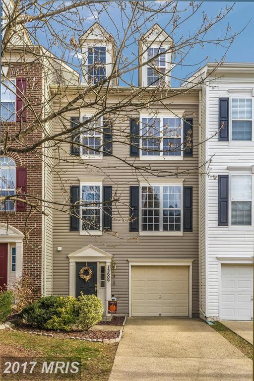 13609 Harvest Glen Way, Germantown, MD 20874 (#MC10108639) :: Wes Peters Group