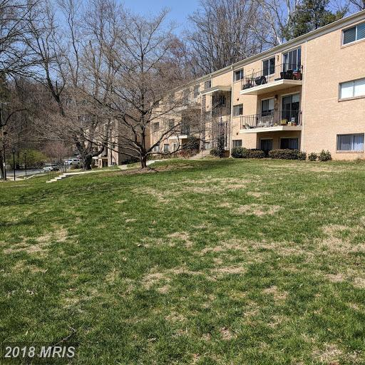10606 Montrose Avenue M-102, Bethesda, MD 20814 (#MC10225258) :: Provident Real Estate