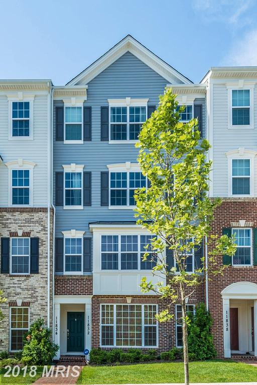 11832 Little Seneca Parkway #1201, Clarksburg, MD 20871 (#MC10240416) :: The Withrow Group at Long & Foster