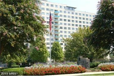 10201 Grosvenor Place #411, Rockville, MD 20852 (#MC10288364) :: Keller Williams Pat Hiban Real Estate Group