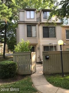 9319 Chadburn Place, Gaithersburg, MD 20879 (#MC10297348) :: Bob Lucido Team of Keller Williams Integrity