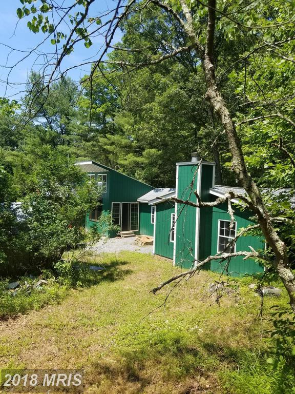 9535 Cacapon Road, Great Cacapon, WV 25422 (#MO10302874) :: Hill Crest Realty