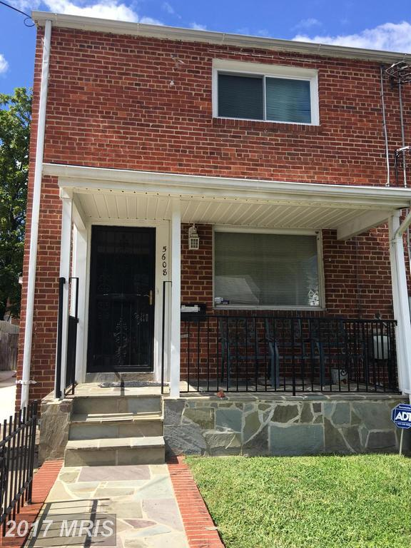 5608 62ND Avenue, Riverdale, MD 20737 (#PG10059850) :: Pearson Smith Realty