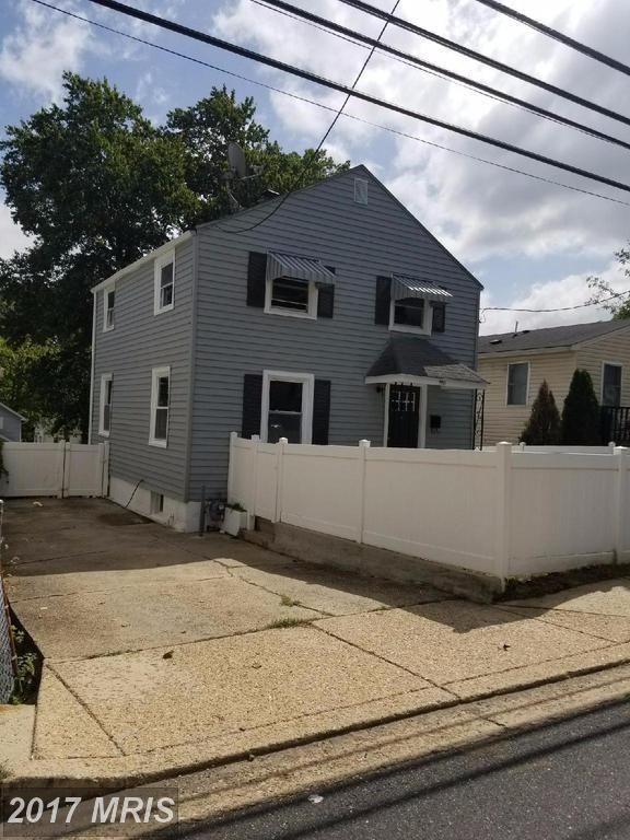 704 Larchmont Avenue, Capitol Heights, MD 20743 (#PG10060829) :: Pearson Smith Realty