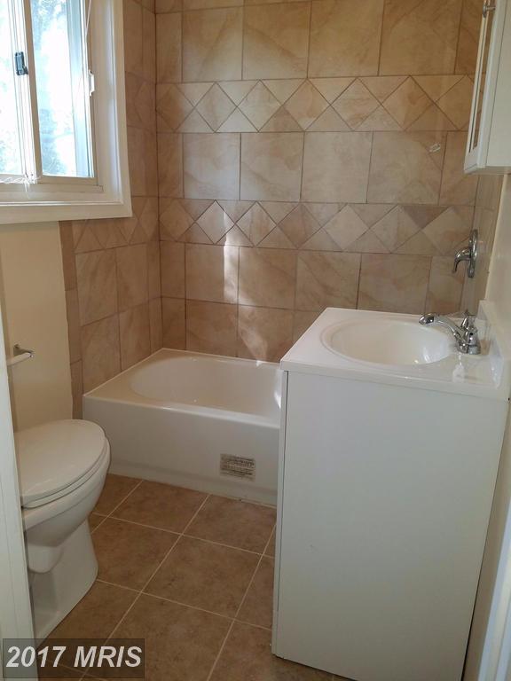 2200 Virginia Avenue, Landover, MD 20785 (#PG10066992) :: LoCoMusings