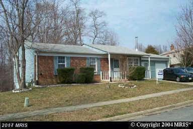 9613 Rooster Lane, Fort Washington, MD 20744 (#PG10071050) :: LoCoMusings