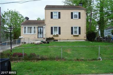 4004 70TH Avenue, Hyattsville, MD 20784 (#PG10073366) :: Pearson Smith Realty