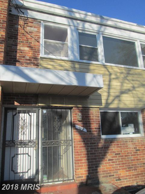 908 Meadows Court, Oxon Hill, MD 20745 (#PG10136775) :: Pearson Smith Realty