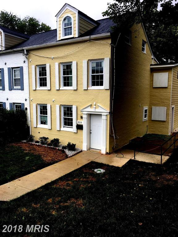 809 Main Street, Laurel, MD 20707 (#PG10343681) :: The Sebeck Team of RE/MAX Preferred