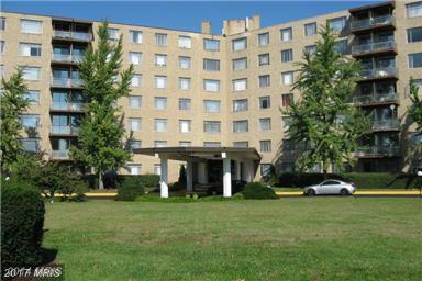 3450 Toledo Terrace #609, Hyattsville, MD 20782 (#PG9925046) :: Pearson Smith Realty