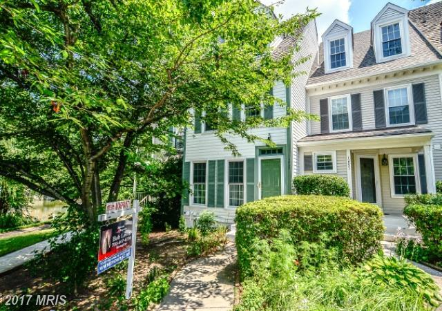 12823 Mill Brook Court, Woodbridge, VA 22192 (#PW10048984) :: Pearson Smith Realty