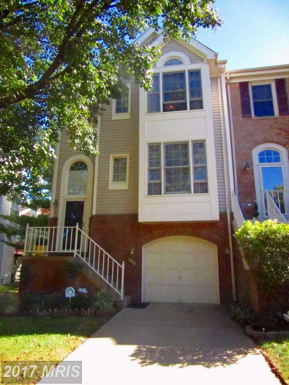8017 Hilliard Drive, Manassas, VA 20109 (#PW10101003) :: Pearson Smith Realty