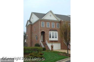8008 Kamehameha Place, Gainesville, VA 20155 (#PW10186227) :: Pearson Smith Realty