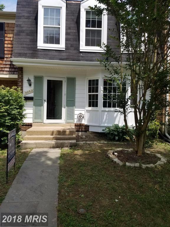 3232 Foothill Street, Woodbridge, VA 22192 (#PW10276192) :: Circadian Realty Group
