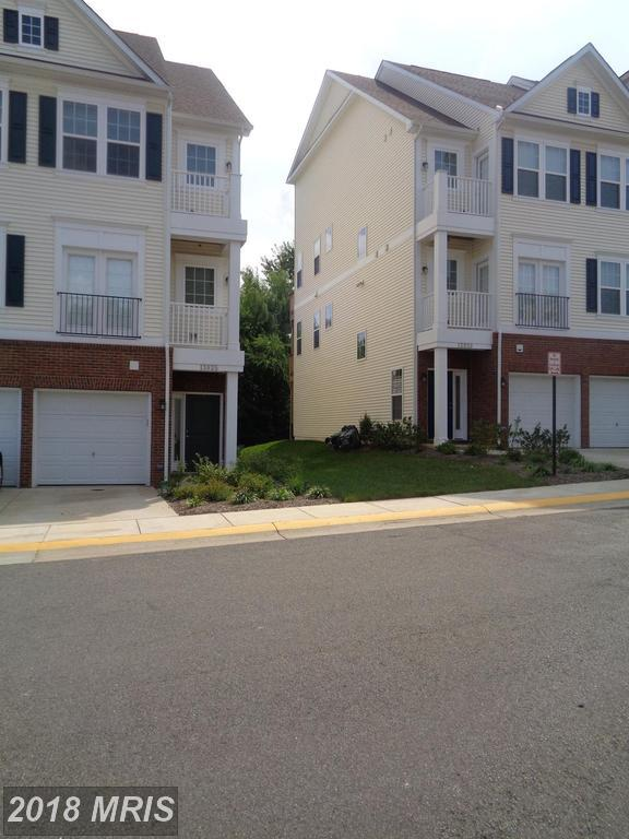 13925 Hollow Wind Way #101, Woodbridge, VA 22191 (#PW10325200) :: AJ Team Realty