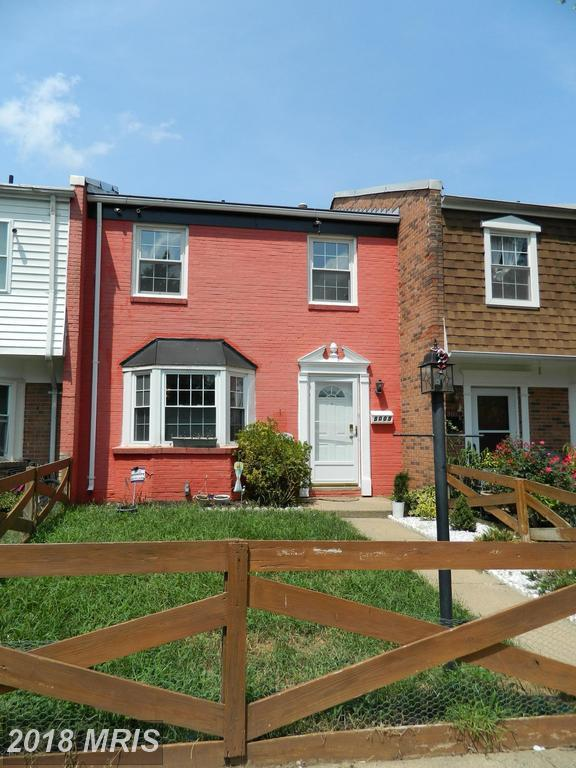 8005 Community Drive, Manassas, VA 20109 (#PW10328957) :: The Maryland Group of Long & Foster