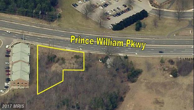 4877 Prince William Parkway, Woodbridge, VA 22192 (#PW9842608) :: LoCoMusings