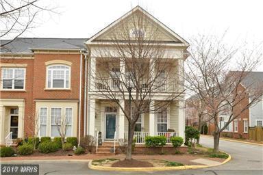 13708 Pinnacle Street, Woodbridge, VA 22191 (#PW9906959) :: Pearson Smith Realty