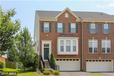 18250 Camdenhurst Drive, Gainesville, VA 20155 (#PW9982941) :: Pearson Smith Realty