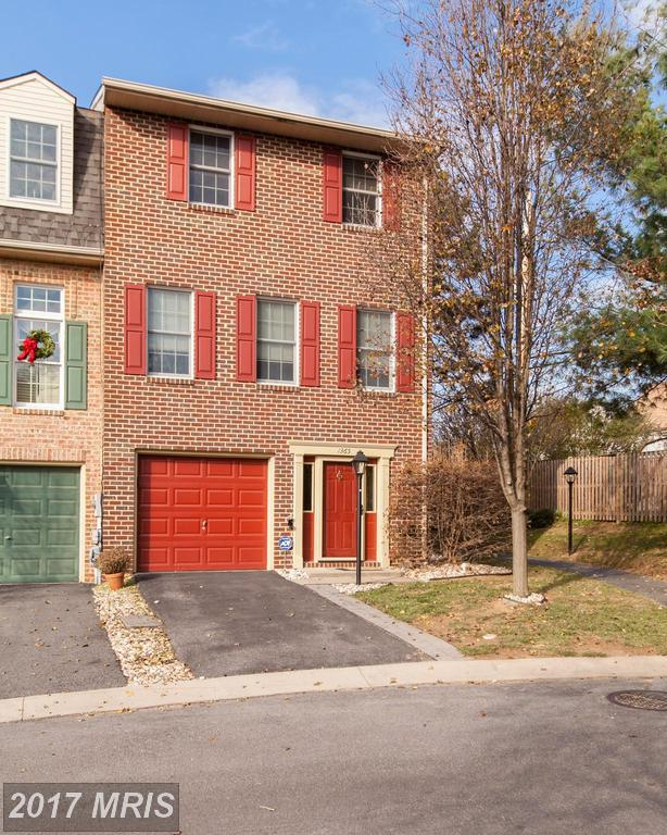 1365 Lindsay Lane, Hagerstown, MD 21742 (#WA10116098) :: Pearson Smith Realty
