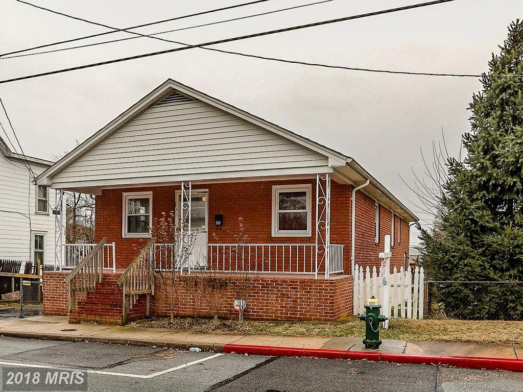 399 Liberty Street, Hagerstown, MD 21740 (#WA10159375) :: The Gus Anthony Team