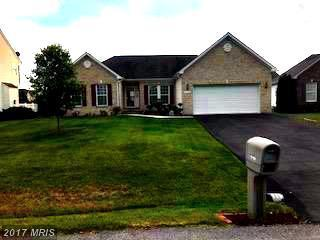 10106 Mildred Drive, Hagerstown, MD 21740 (#WA9966868) :: LoCoMusings