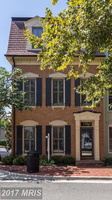 1752 Potomac Greens Drive, Alexandria, VA 22314 (#AX10051949) :: Pearson Smith Realty