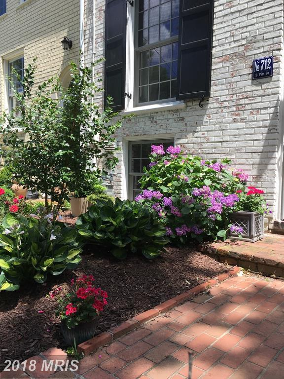 712 Pitt Street S, Alexandria, VA 22314 (#AX10134174) :: Wicker Homes Group