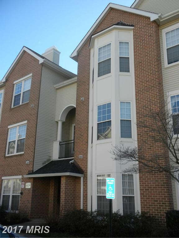 4139 Fountainside Lane F302, Fairfax, VA 22030 (#FX9847712) :: Pearson Smith Realty
